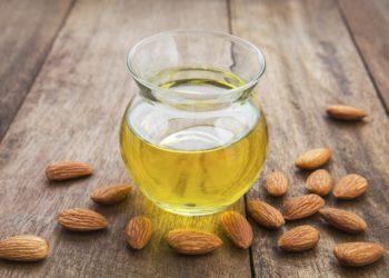 Olio di Mandorle: diversi usi per un solo prodotto