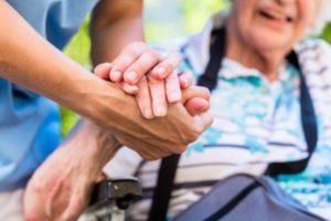anziani dimenticati dal governo